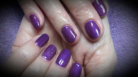 Fluture Nails logo